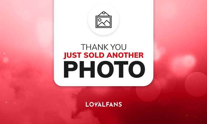 I just sold some photos on #realloyalfans. Take a look here: https://t.co/6BaIlXDMq2 https://t.co/Wq