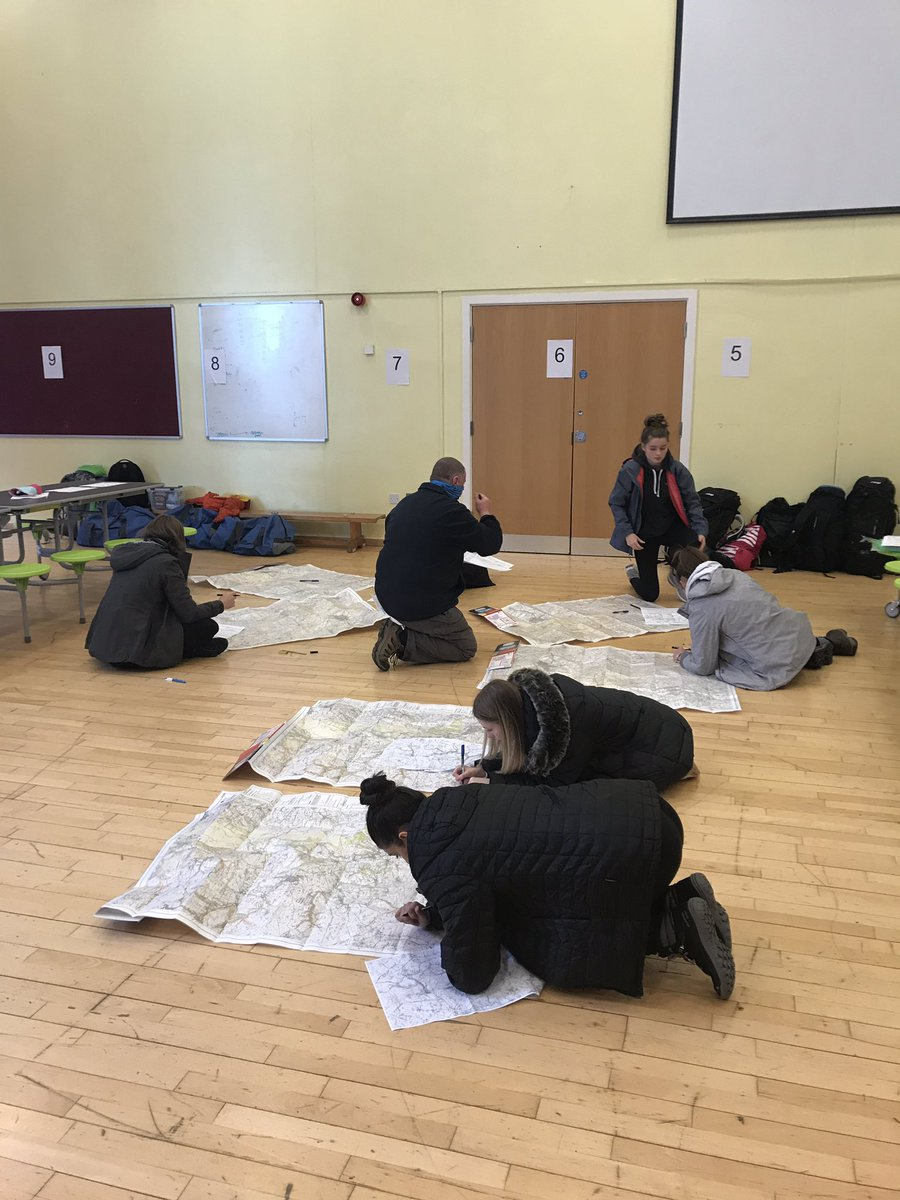 Excellent to see our scholars working on their DofE skills today. Excellent determination on display. #weareEDA #proudtobeEDA
