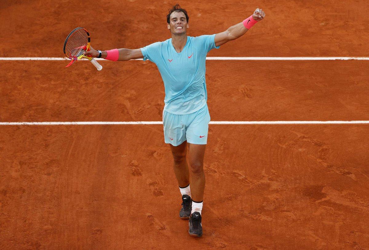🏆1️⃣3️⃣ volte @RafaelNadal!  100 vittorie al #RolandGarros 20 Slam #Nadal vince il #RG20 senza perdere nemmeno un set!  Finisce 60 61 75 il match con #Djokovic: Rafa é campione per il 4 anno consecutivo!   #tennis https://t.co/6SWsWhP3le