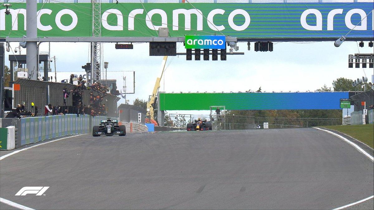 🏁 TOP TEN (LAP 60/60) 🏁  Hamilton Verstappen Ricciardo Perez Sainz Gasly Leclerc Hulkenberg Grosjean Giovinazzi  #EifelGP 🇩🇪 #F1 https://t.co/1dxrZlT4za
