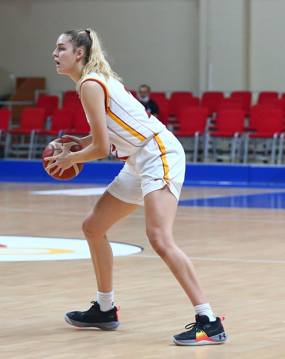 ⭐️ Bellona Kayseri Basketbol karşısında Bella Alarie!   @bella_alarie   35 dakika 29 sayı (11/15 saha içi isabeti) 11 ribaund 2 asist 2 top çalma 1 blok  😍 https://t.co/WR6JiiuRbu