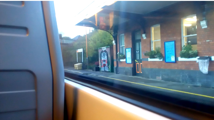 Today's #traveljourney to share is #Coseley Station, Coseley, located in the #BlackCountry 🚅📷  On passing this station, a particular #painting on the station building caught SS's attention👀🧐  Here's some further info about the station itself https://t.co/CXuxX3QdZr https://t.co/5sasbkLWDx