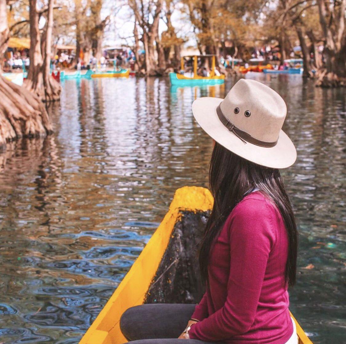 Lago de Camecuaro 🌳 📸@el.oscar.d  ••• #Michoacan #LagodeCamecuaro #Lago #VisitaMorelia #AMORelia #Reserva #CasaAura #Hospedate #Airbnb #AirbnbExperience https://t.co/NnXICvvKsy