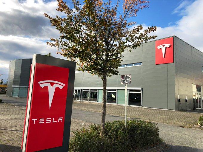 Größtes Service- & Verkaufscenter von Tesla in DE in