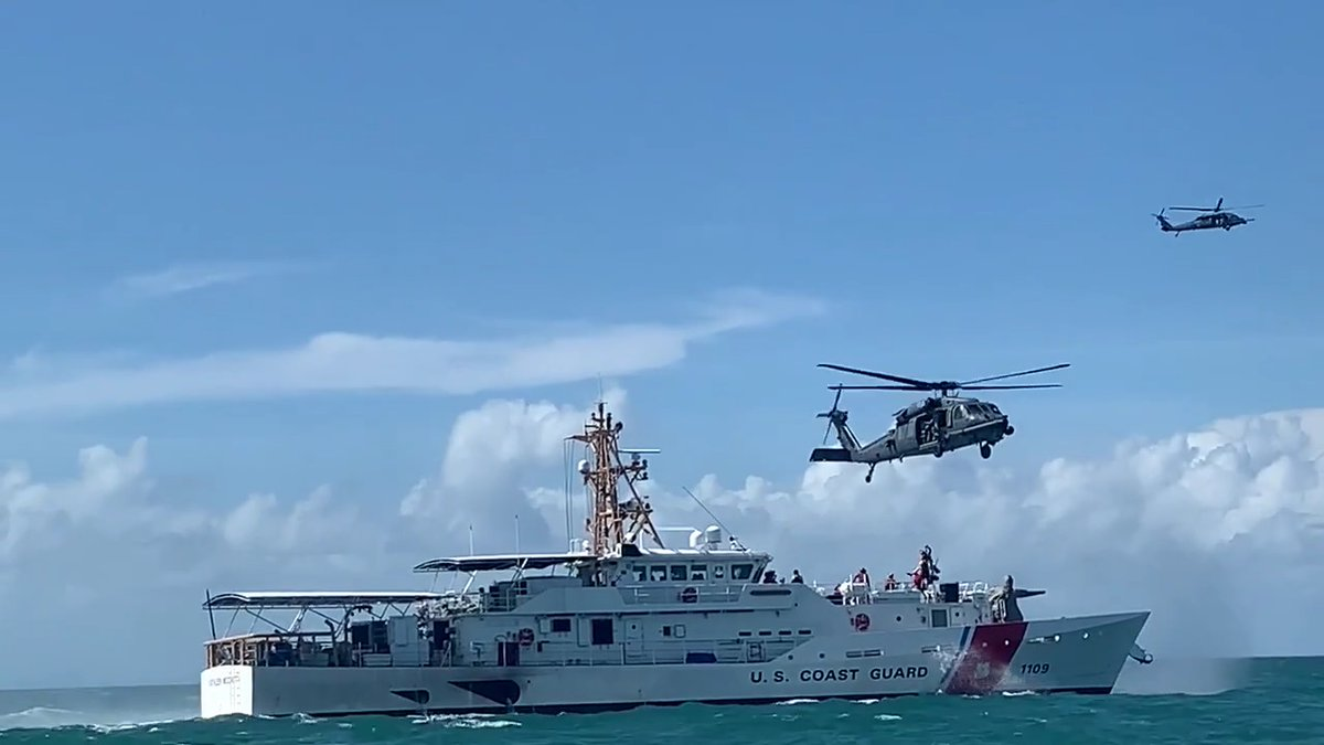The @USAFReserve and @USCG teamed up for hoist training off of a Florida coast recently. #ReadyAF