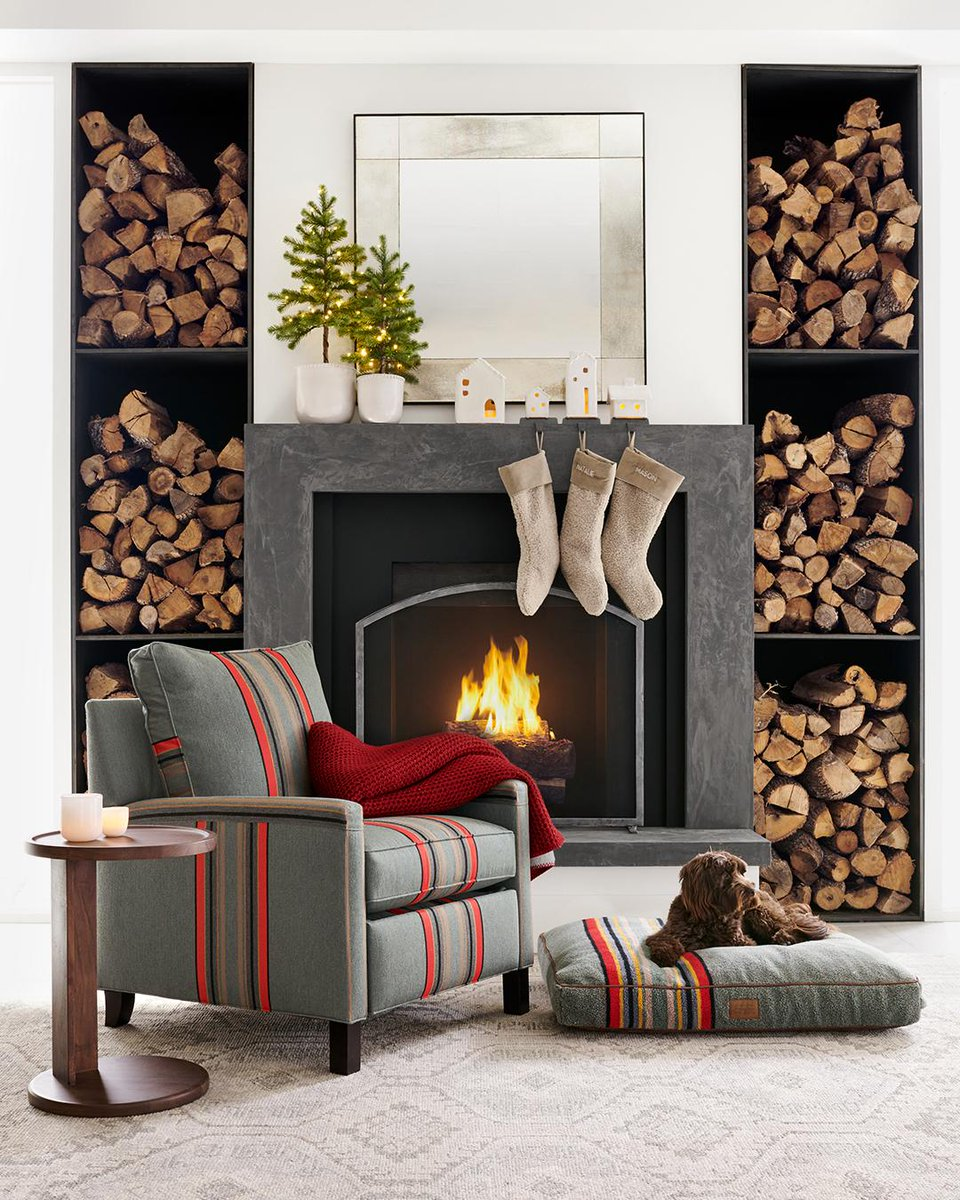 Nestle next to a crackling fire on @PendletonWM's iconic striped design, perfect for two and four-legged friends 🐶 Head to our site to check out more of our brand new collection! https://t.co/FiK7XxH9jw #PendletonxPotteryBarn https://t.co/j657eVoB7C