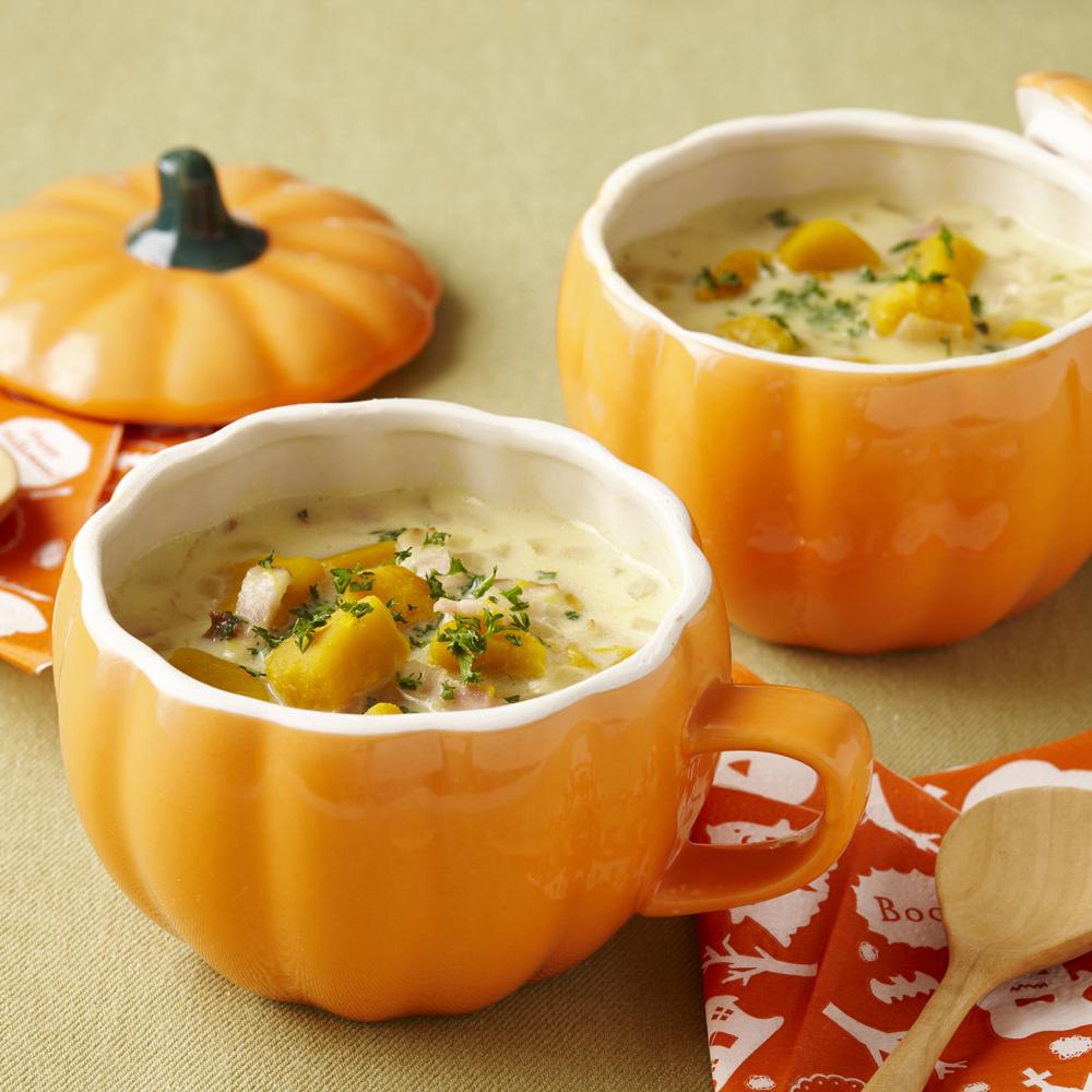 10月12日は #豆乳の日ゴロゴロかぼちゃの豆乳スープはいかがでしょう✨角切りかぼちゃが食べごたえありますよ🥣(◍ ´꒳` ◍)b ヤサシイ アジワイ ダネー🔽詳しいレシピはこちら🔽