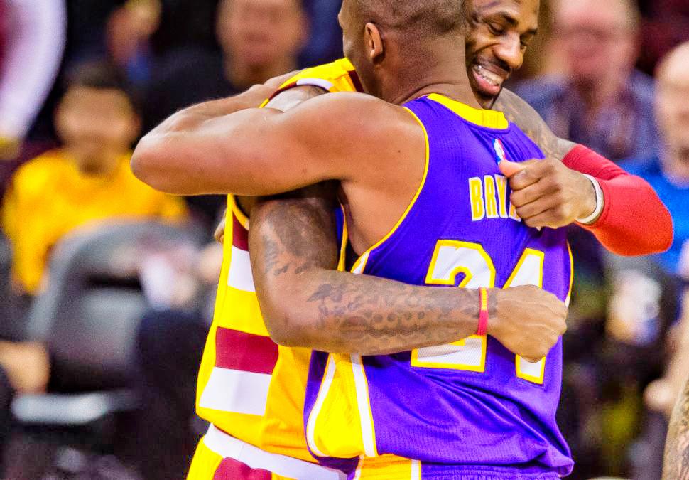 @kobebryant @KingJames 😭 #MambaDay 👏🏿 #2020 @Lakers #Playoffs2020 #ChampionLakers https://t.co/BSjBgM9dBk