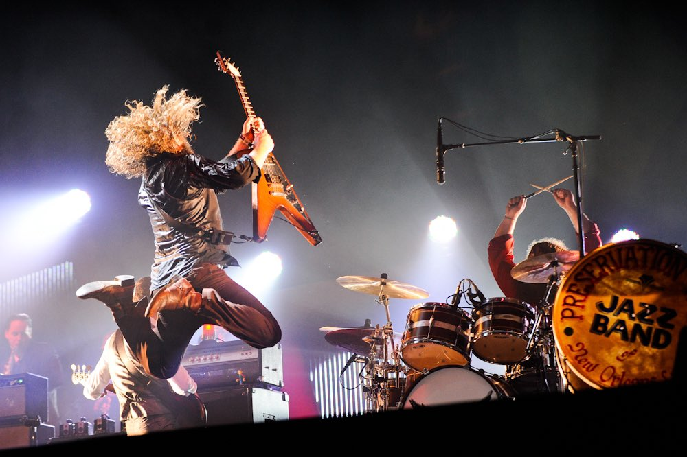 Coming up at 11:25pm 💫 watch highlights from @mymorningjacket at #ACLFest 2011:  👈