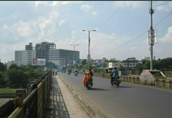 There is a busy bridge in Pune called Mhatre Bridge or Mhatre pul joining Sarasbaug to Deccan area, named after Late Shri Ravindra Hareshwar Mhatre https://t.co/tivDMKaePf
