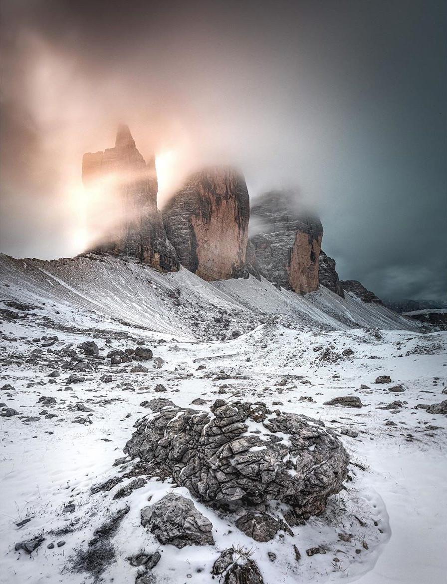 Tre Cime di Lavaredo, between fog and magic.