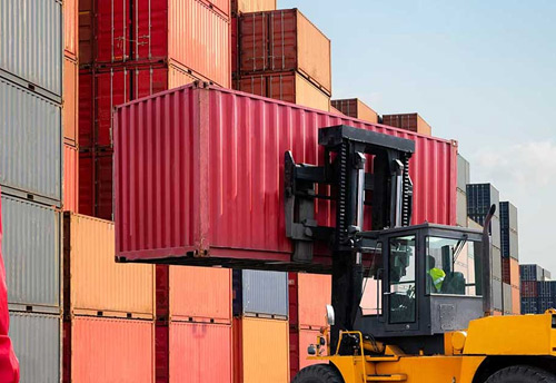 #MSME #exporters struggle to ship following shortage of #containers after rapid fall in #imports #ImportExport #Exports @minmsme @nitin_gadkari @dgftindia #MSMEExports #GDP @FISME  https://t.co/I5jh4qtd55 https://t.co/6puFYQnILY