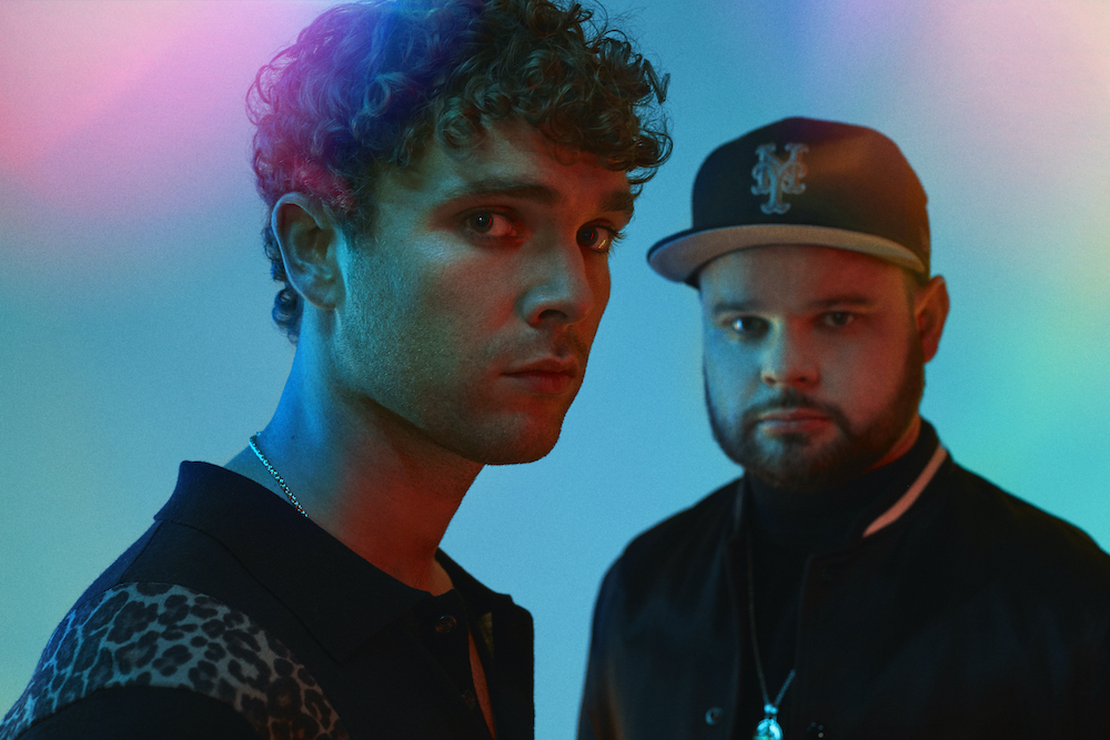 """Swinging back into action with the funk-tinged strut of new single 'Trouble's Coming', Royal Blood's formula looks like it's been given a shake up. What changed? """"My entire life!"""" explains Mike Kerr. @royalblooduk diymag.com/2020/10/12/dou…"""