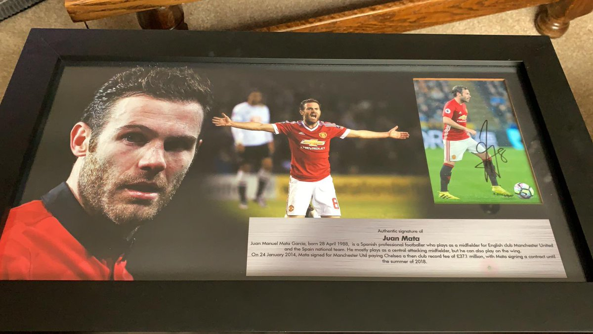 Went for a job interview today in a memorabilia shop and ended up buying this @juanmata8 print 🙈 It had to be done and I take it as a sign that it was in the door as I arrived! Fingers crossed I get the job.