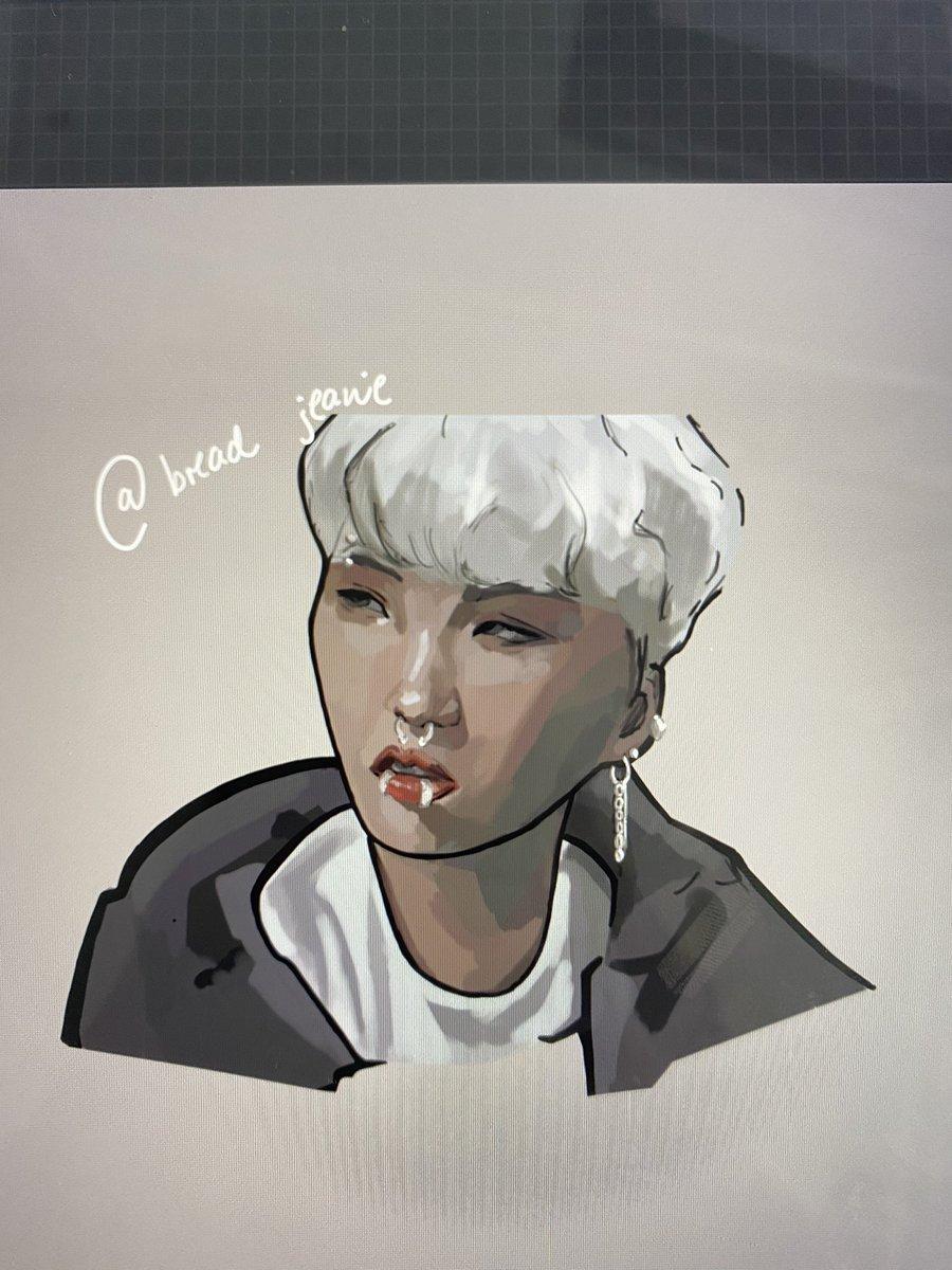 Working on a yoongi sketch 😎😎 #BTS #yoongi #yoongibts #suga https://t.co/d3DHGkn8kU