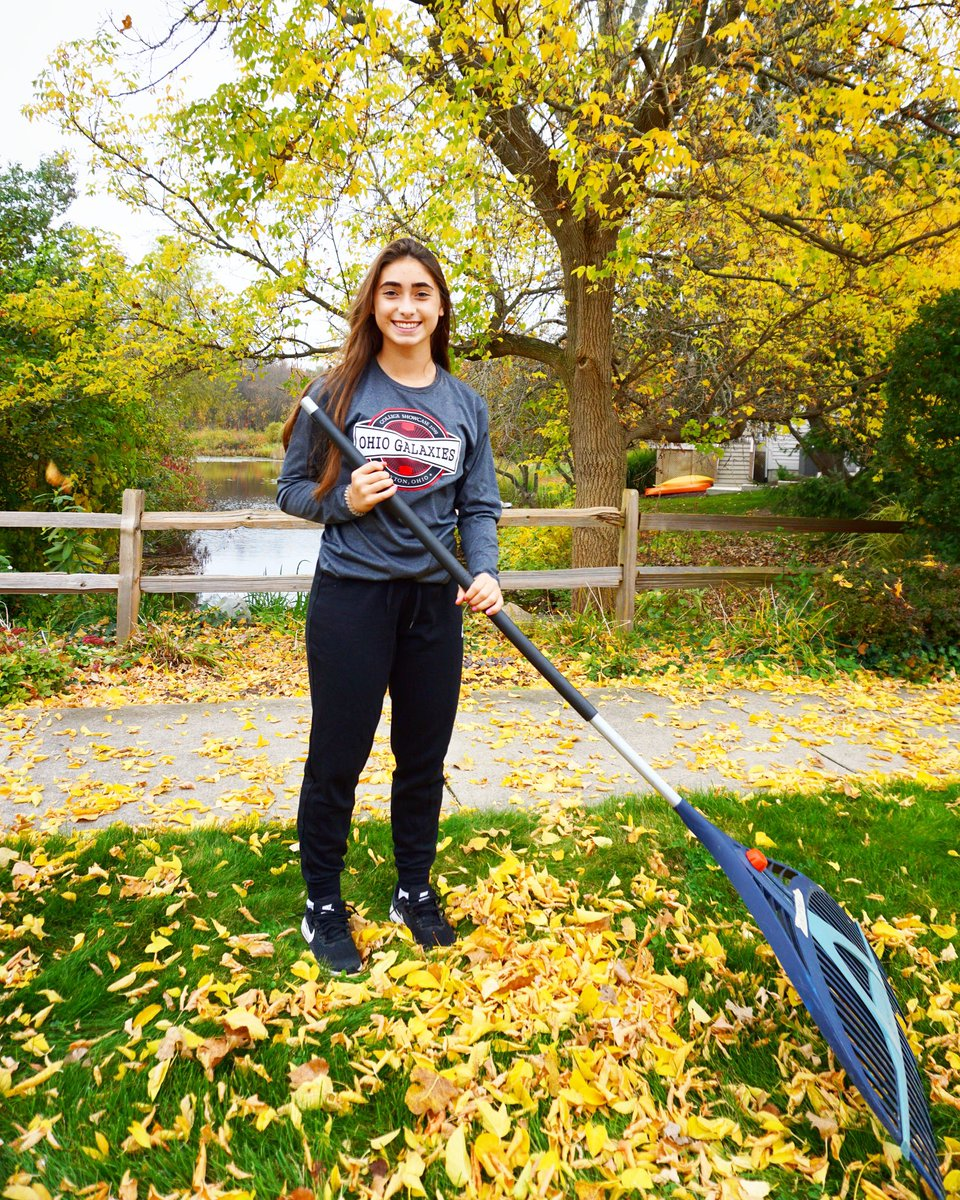This week's challenge is to get outside and rake your leaves! Whether it's someone else's or your own!🍁🍂🍃Use our hashtags to show us what your doing this week! #4thquarterchallenge #maskup #izzolegacy 💚