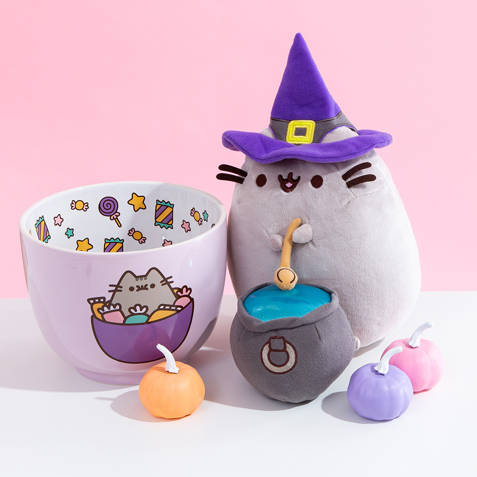 #WitchPusheen is casting a #Halloween spell for extra candy in your bag this year! 🍬 bit.ly/34OL27h