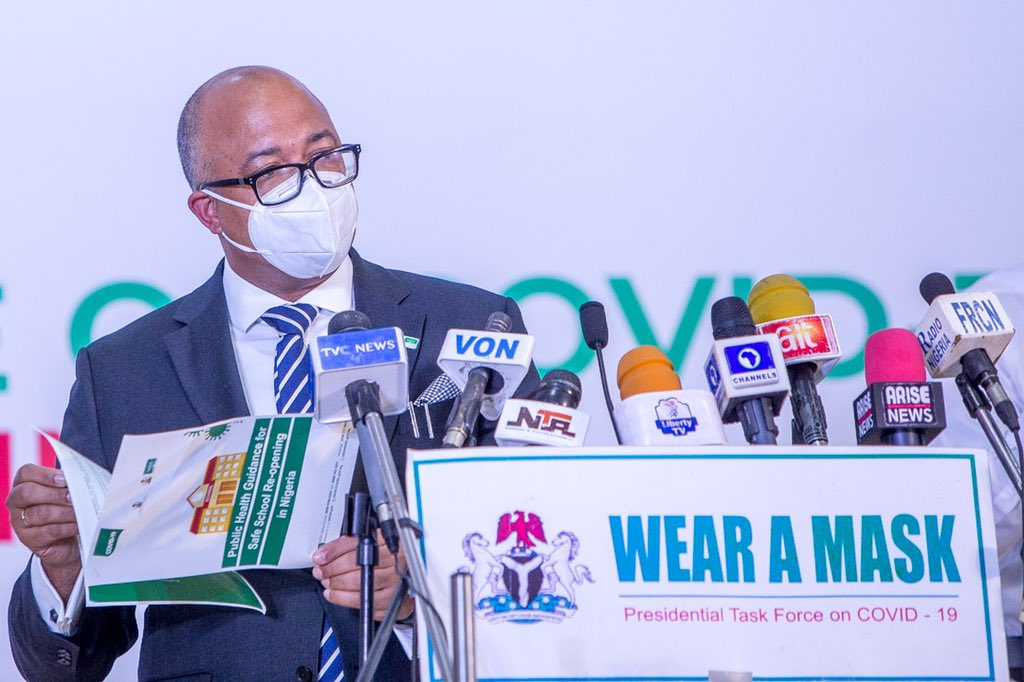 At @PTFCOVID19 briefing today, DG @Chikwe_I announced the new guide for safe reopening of schools. 'We understand the role of education in nation building. Our aim is to halt the spread of #COVID19 as sectors reopen safely' 📚 Download guide👇🏽 covid19.ncdc.gov.ng/media/files/Pu…