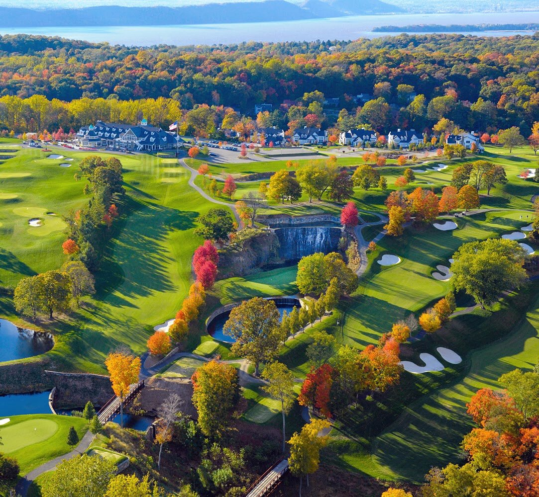 Every year, we fall in love with fall all over again. @TrumpNationalNY 🍁