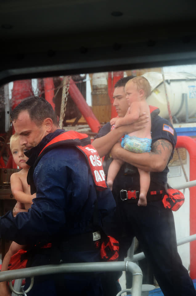 Heart-wrenching photos! #USCG Station Galveston and Air Station Houston assisted mariners and their families from 3 shrimping vessels that ran aground near #GalvestonIsland while evacuating #HurricaneDelta. #USCGDelta @USCGHeartland