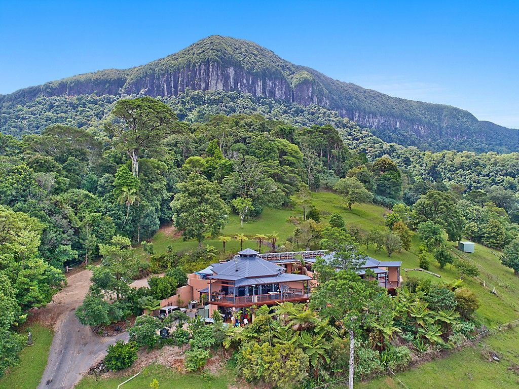 "For Sale: ""Ruah"" - Mountain Retreat https://t.co/I7wokGcdxF  Freehold title 37.15 Ha *(91.80 Acres)* Your own private rainforest, grazing country and forever views. ""Ruah"" is the place to ascend into a world of peace and nature. #nsw #forsale #farmproperty #realestate https://t.co/6zK4tjbx5j"
