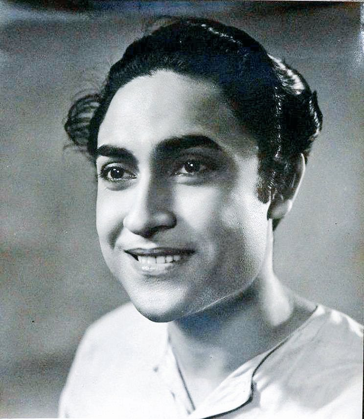 Fondly remembered as Dadamoni, he was born as Kumudlal Ganguly in Bhagalpur. In a career spanning 7 decades, he featured in 300+ films  Tribute to ASHOK KUMAR on his birth anniversary.