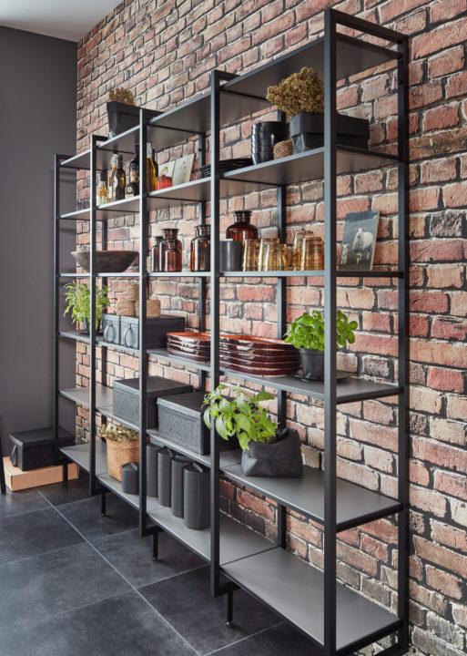 Note authentique et un rien rétro façon loft new-yorkais, notre étagère style indus' est entièrement modulable, en plus d'offrir un choix de couleurs…