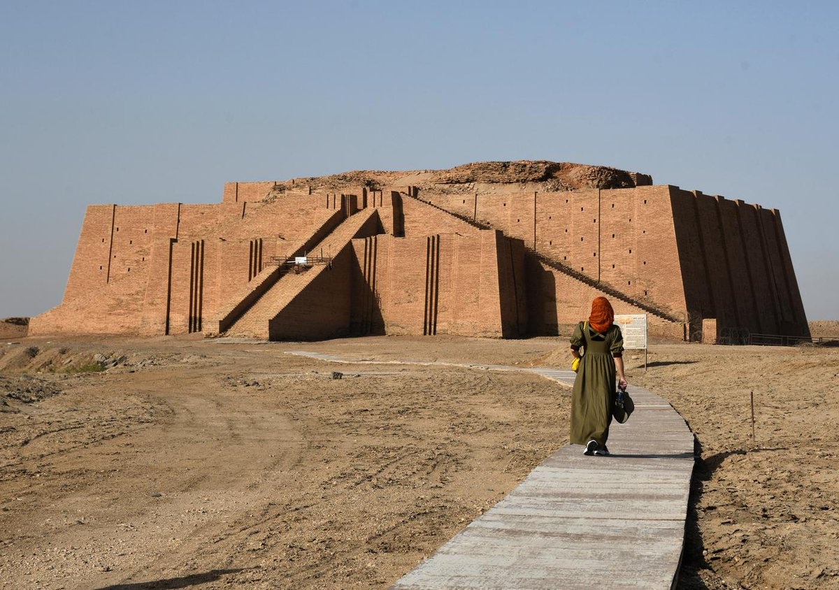 #Iraqs feted archaeological sites, in the heart of ancient #Mesopotamia, are sadly all too familiar with looters, having been irresistible targets for theft over the centuries. Read more here: iraq-solidarity.blogspot.com/2020/10/iraqs-…