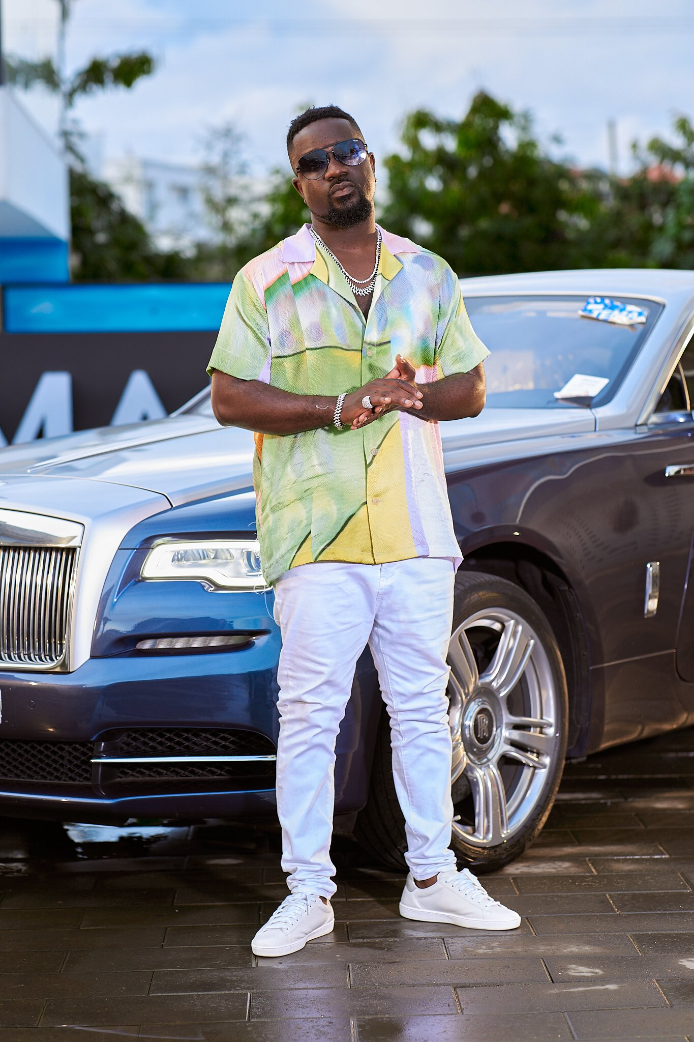 Sarkodie applauds Prez. Akufo-Addo and his government. See what he had to say about them
