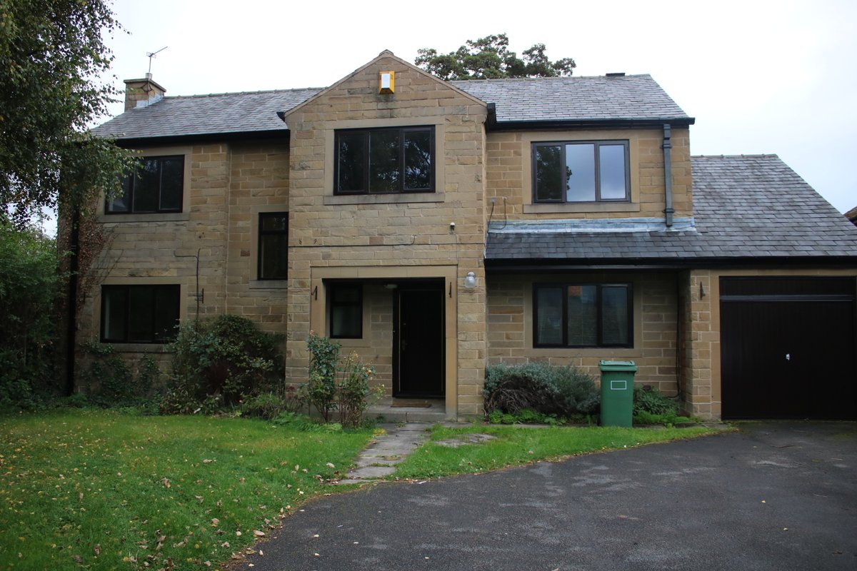 NEW INSTRUCTION #ravensthorpe - 4 bed detached family home in convenient central location - Gated driveway, garage and gardens as well as super breakfast kitchen - ONLY - £750 pcm and £0 deposit option https://t.co/NkG4ILznKp