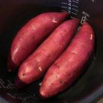 炊飯器で蒸し芋がホクホクで甘い芋に!ダイエット中のお供に最適!