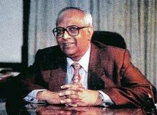 ज्योतिन्द्र नाथ दीक्षित (भा.वि.से.1958)  पद्म विभूषण विजेता,श्री दीक्षित ने दूसरे राष्ट्रीय सुरक्षा सलाहकार के रूप में कार्य किया। वे पहले राष्ट्रीय सुरक्षा सलाहकार बोर्ड के सदस्य थे। उन्होंने विदेश सचिव,अफगानिस्तान, बांग्लादेश,पाकिस्तान,श्रीलका में राजदूत के रूप में कार्य किया। https://t.co/UjvUQVgNjm