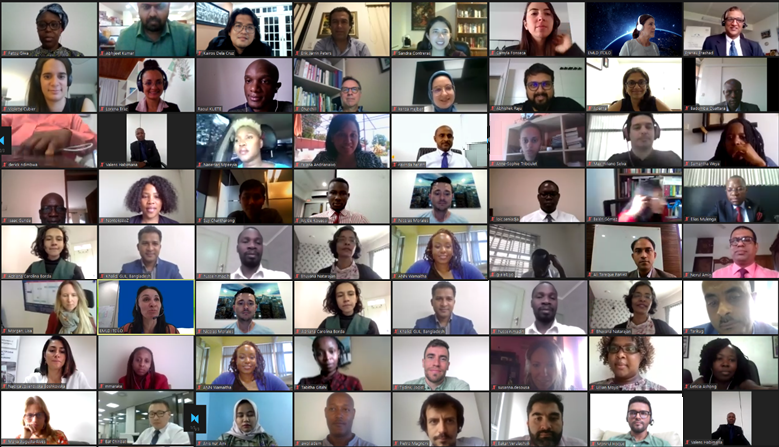 """Our """"Insurance for Development"""" course is in full swing! 70 participants from all over the world are joining us in October for this special online programme.  We are happy to have such an engaged group of people! Read more on the website of the @ITCILO 👉 https://t.co/ymTta0ZEhm https://t.co/OQwpU26L75"""