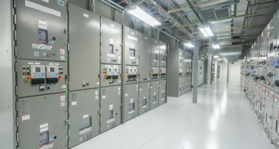 ABB tiene un conjunto de productos eléctricos y de automatización necesarios para una solución E-House completa, proporcionando una mayor flexibilidad y minimización de interfaces para nuestros clientes. #ABBE-house #E-housesolutions https://t.co/jx7SPLrxZM https://t.co/cwD2u0NEfH