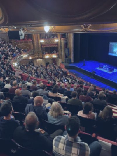 How can the London Palladium be packed like this last night for an event with Arsene Wenger, but football fans aren't allowed to watch matches outside even socially distanced?  I'm completely bemused. 👇 https://t.co/updEL3KvV2