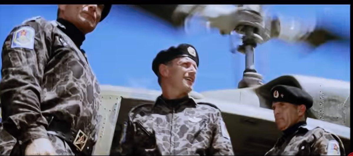 """しゅがごん on Twitter: """"映画繋がりで、胡散臭い軍人スタイルに ..."""