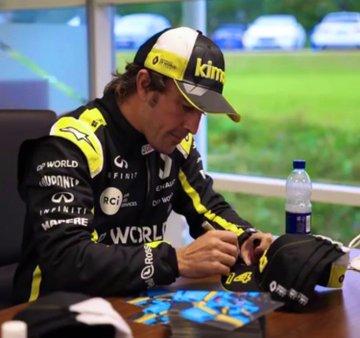 El tatuaje en el trasero de Cyril Abiteboul y la vuelta de Fernando Alonso con un Fórmula 1 en Montmeló
