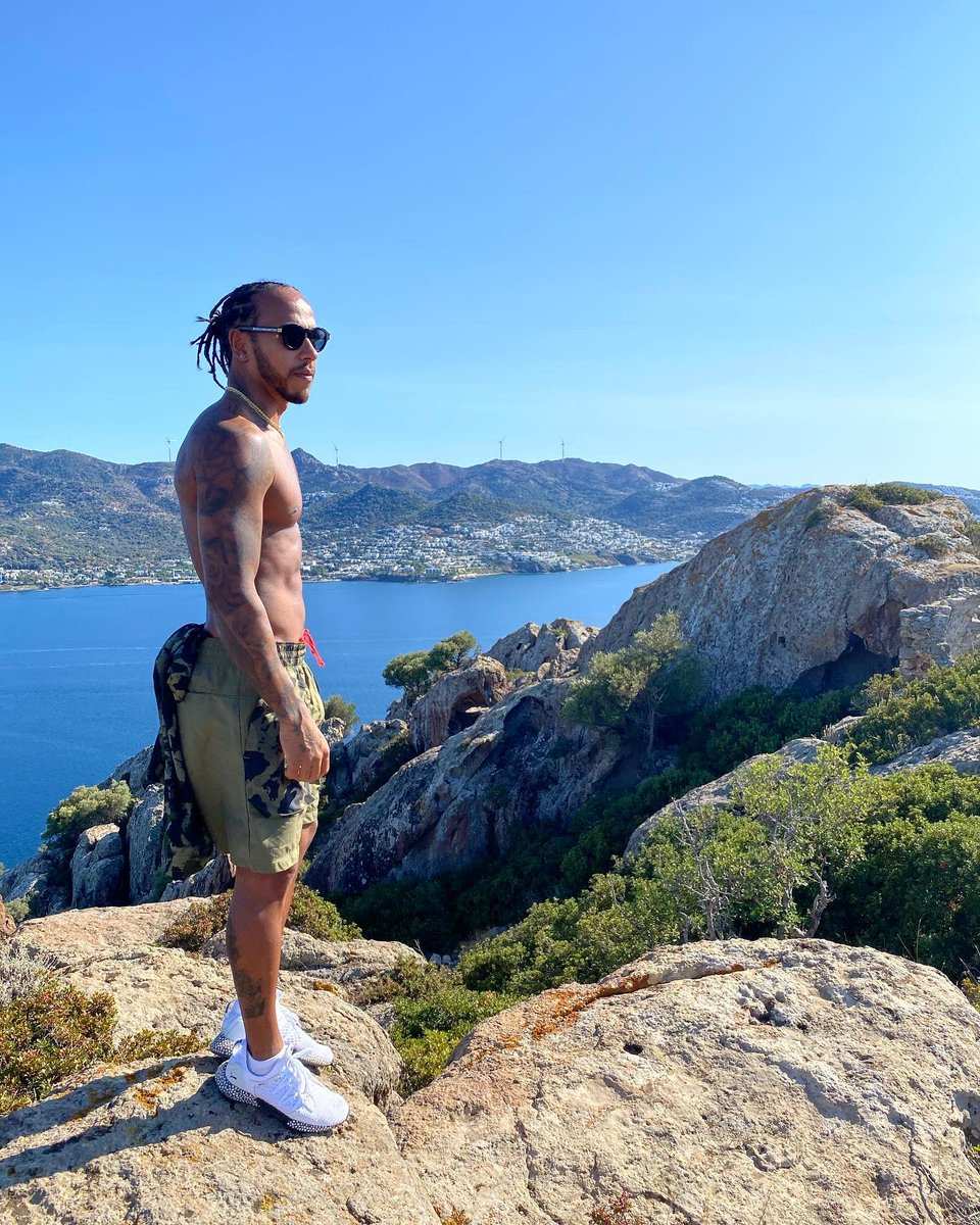 Outdoor training is the best, fresh air and all. I love to hike. Wishing everyone an amazing day💪🏾 https://t.co/opSS8dUdBl