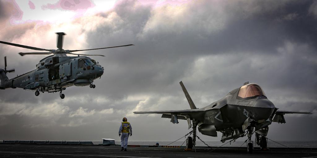 @USMC's photo on Lightning