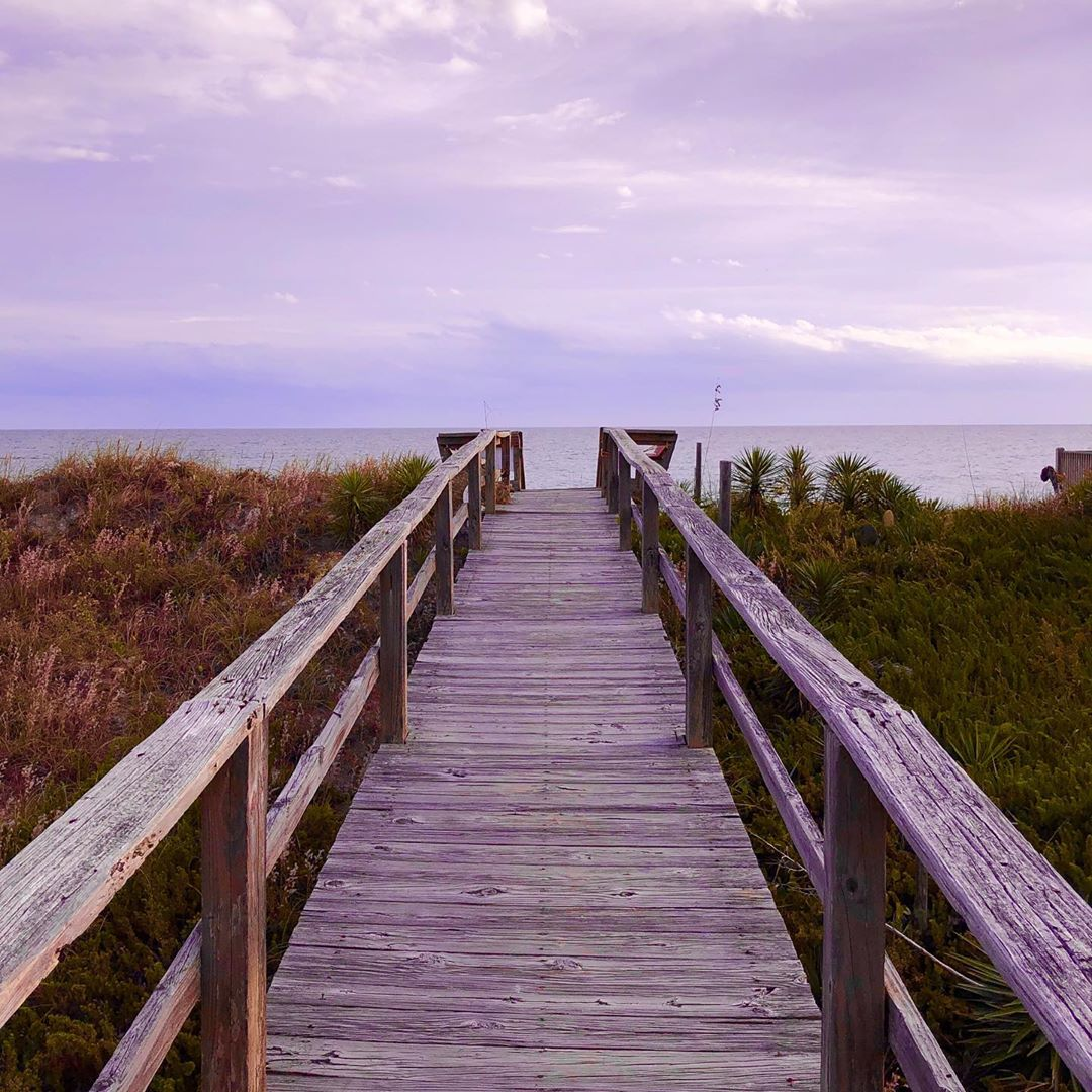 Now is the time to trade in your regular views for some that are more relaxing. ❤️ if you'll be back in the #OuterBanks soon! (📷: Denise H.) https://t.co/96ZTw4sctu