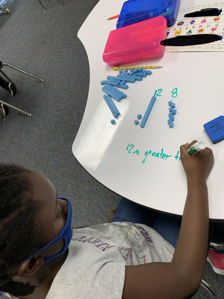 Check out Mrs. Coleman's first graders comparing two digits using base 10 blocks.@ChapelHill_ISD @Carp_CHISD