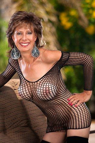Happy Titty Tuesday my Horny's ! #MILF #Blowjob @MilfsandMoms_WW @MilfsnCum @MilfLov49299570 @MILFModelWorld