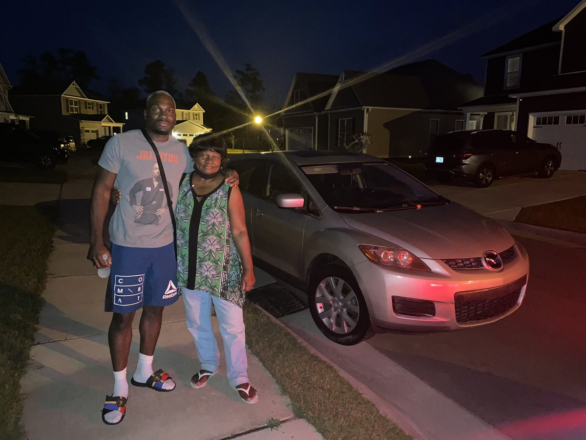 In 2004 my mom went into her bank account she worked super hard for and purchased my first car . 2020 I went in my bank account I worked super hard for and purchased her a car. Life is such a cycle. Take care of those who take care of you ! ❤️ https://t.co/nGMBsLr4LB