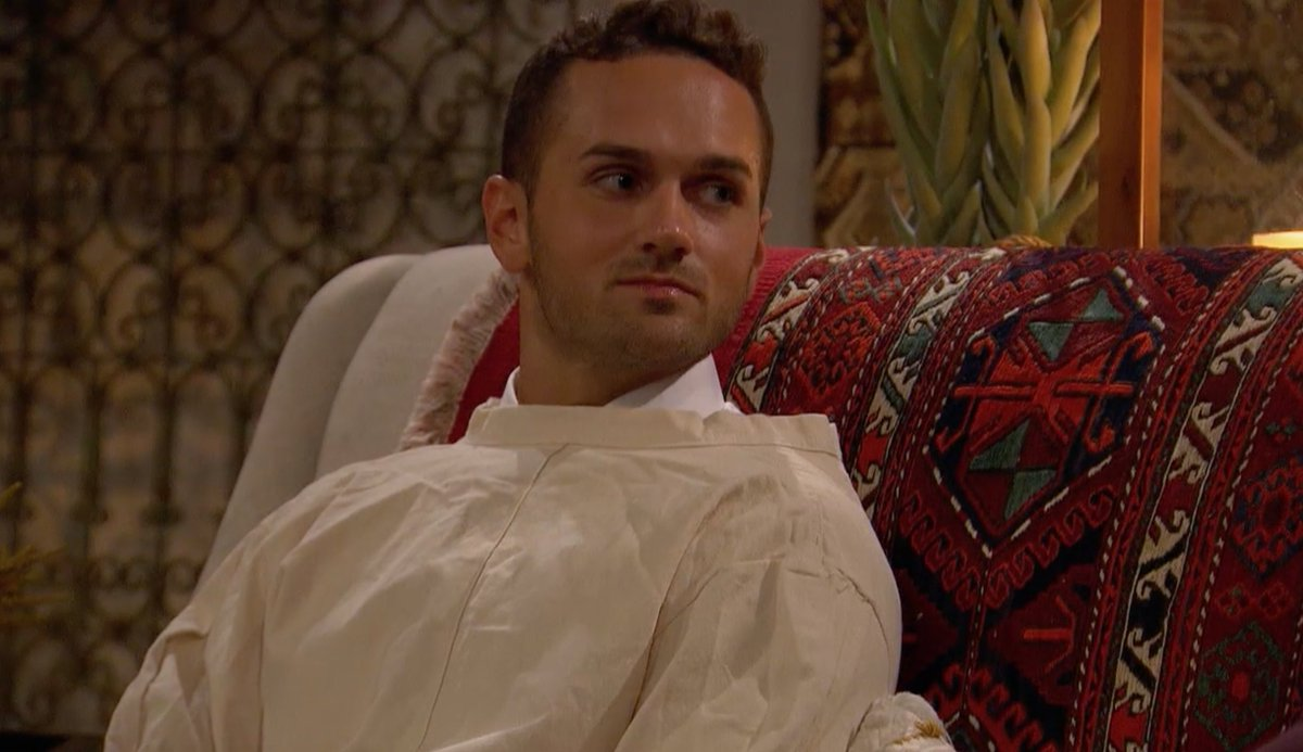 This man is COMMITTED to the bit #TheBachelorette