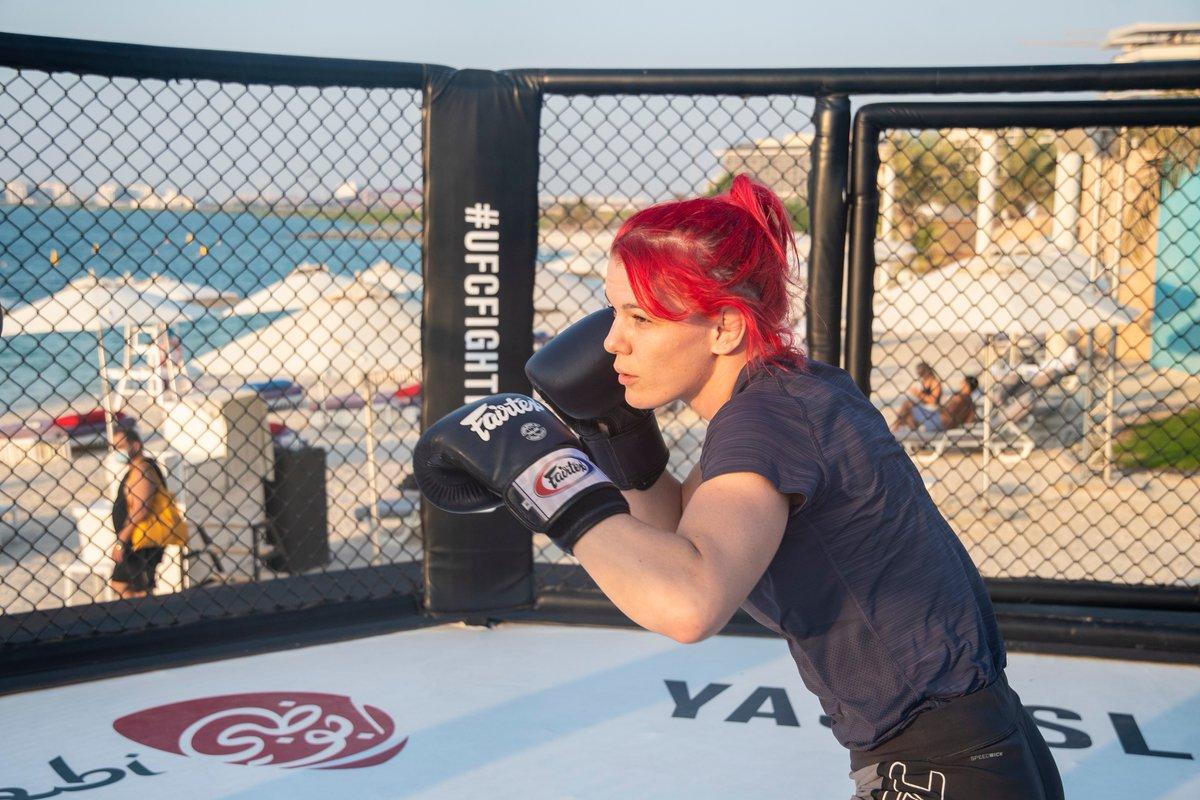 La 🇨🇦 @savage_ufc à l'entraînement en vue de son combat à l'#UFCFightIsland6!  #InAbuDhabi   @VisitAbuDhabi https://t.co/3YZJdOyfxL