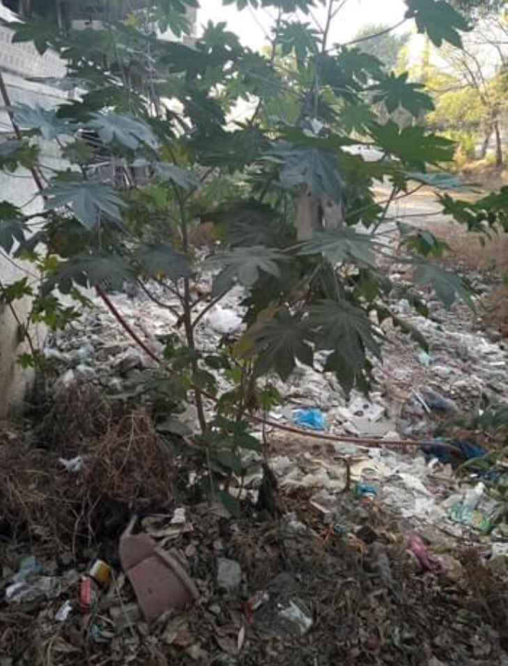 Sir  Debris dumped by Tower residents. Already warned them. Garbage also dumped by residents. Tomorrow Challan will be issued @SardarZimri. Teams will clear in the meantime