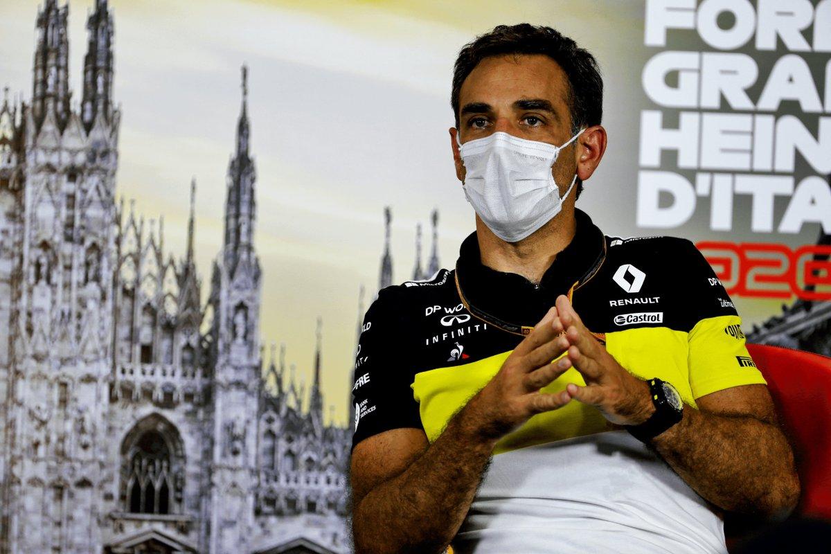 Happy birthday to @RenaultF1Team's team principal @Cyroul! Will we be seeing a birthday tattoo designed by @danielricciardo? 🖋😏 #F1 #Formula1 https://t.co/Cf13JC3sQs