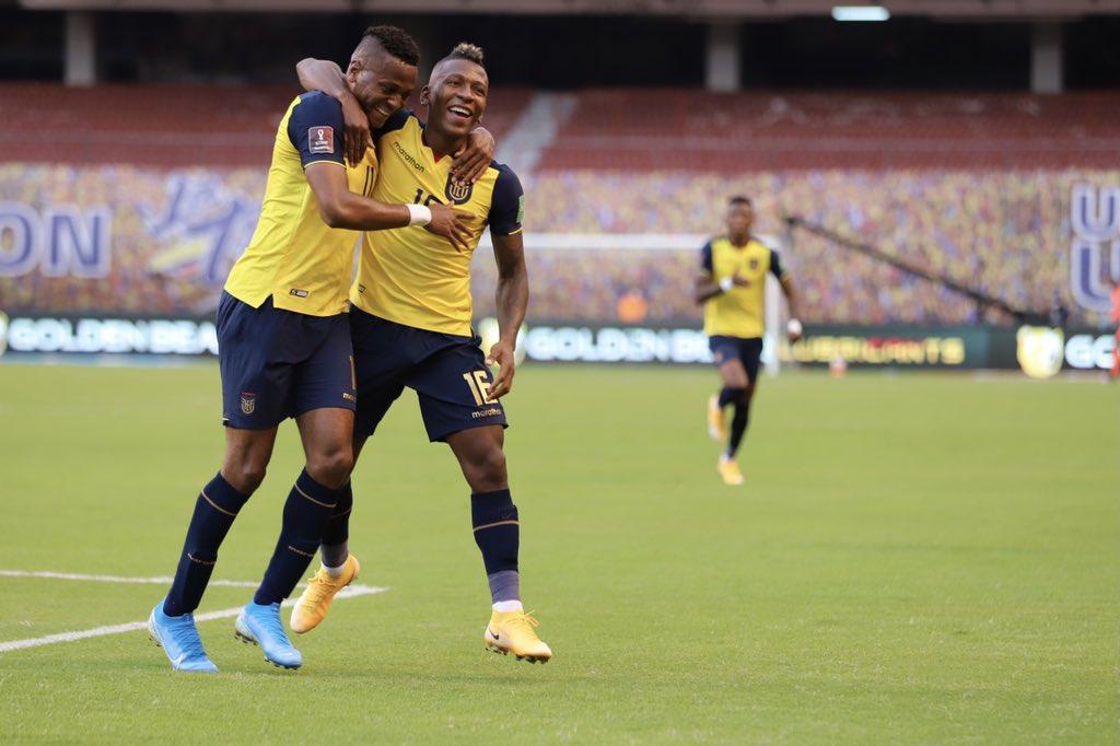 FOTO) Así reaccionó Pervis Estupiñán ante la goleada de Ecuador | ECUAGOL
