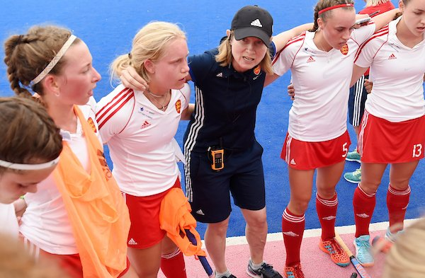 """#Newsflash - EHF announces our selection for Coaches for Europe (C4E) and Top Coaches Programme (TCP)   @EHF_Inez said """"we are delighted to announce that a total of 58 participants have been chosen to take part in the two programmes""""   A full list is here: https://t.co/mK4rL0Z6x6 https://t.co/Lu9WHeIPUN"""