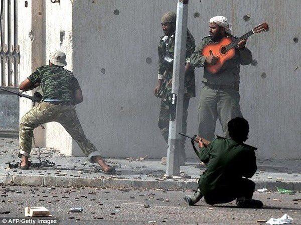 ギター持ったバフ要員すき